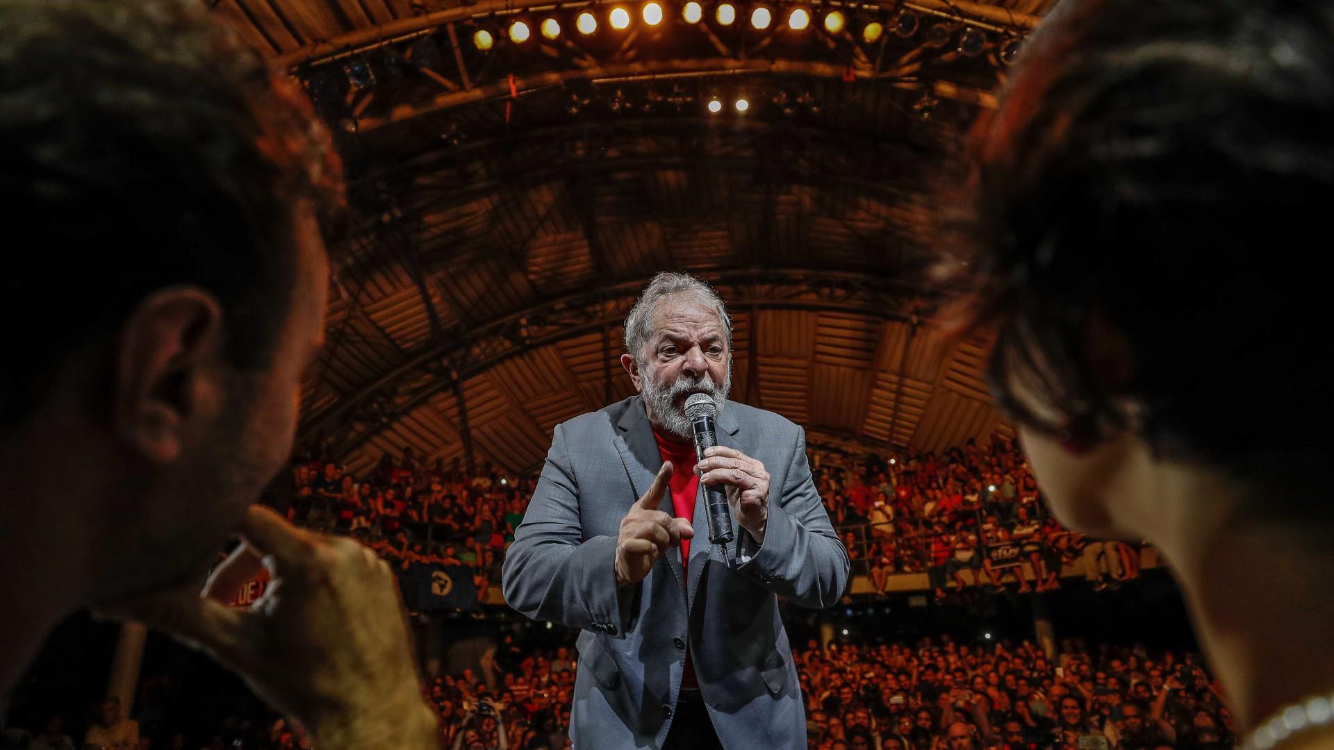 'O que temem que eu fale?', diz Lula sobre proibição de entrevista
