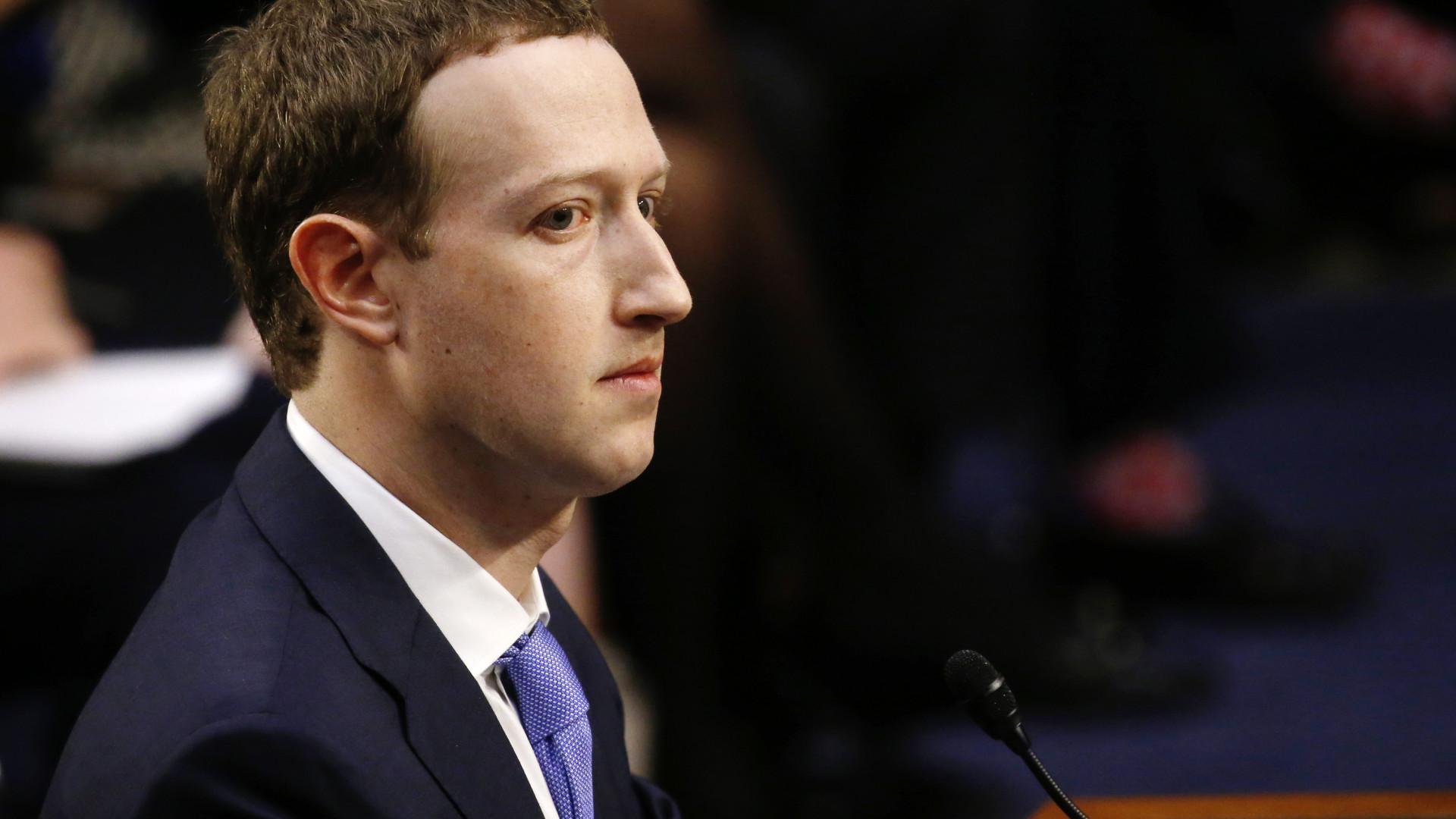 Zuckerberg acusa Apple de atrasar inovação
