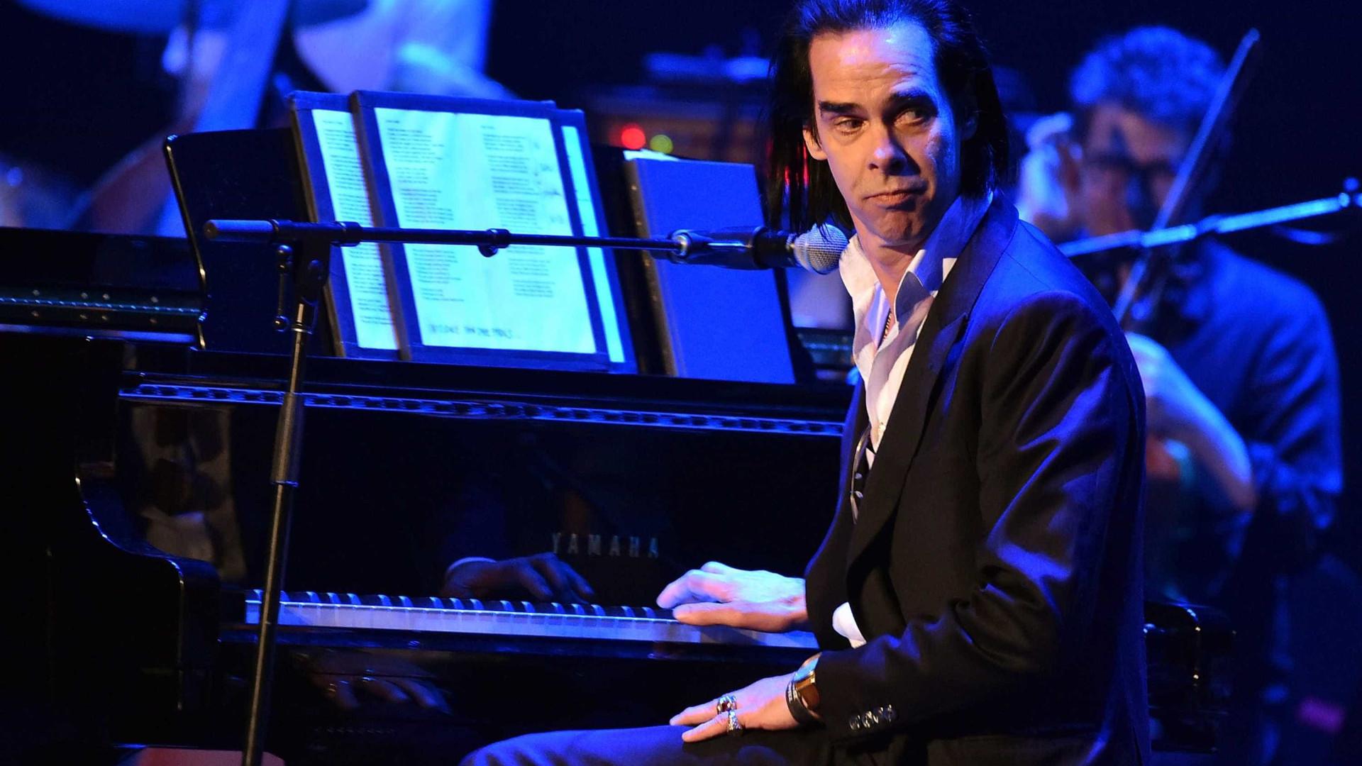 Nick Cave prova ser incomparável em músicas ritualísticas