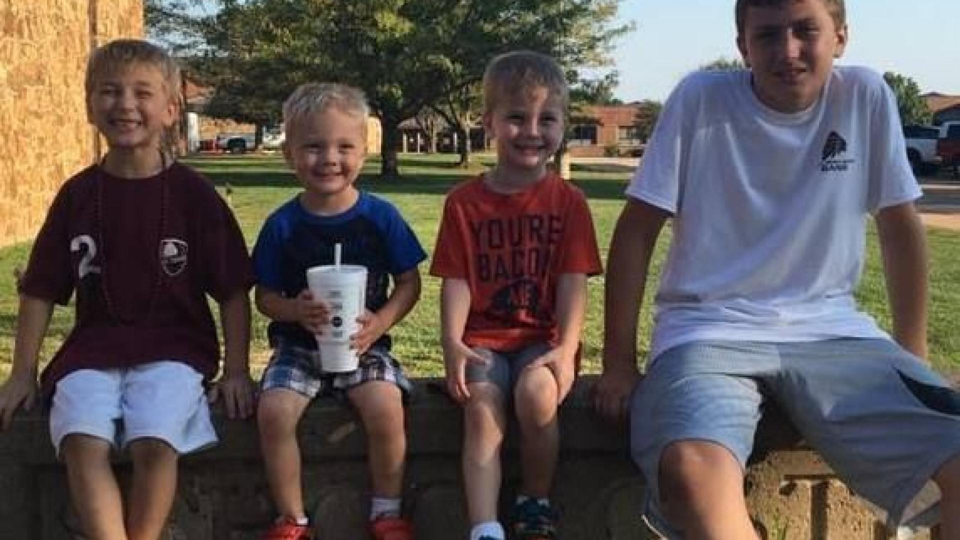 Mãe perde os quatro filhos e a casa em incêndio nos EUA