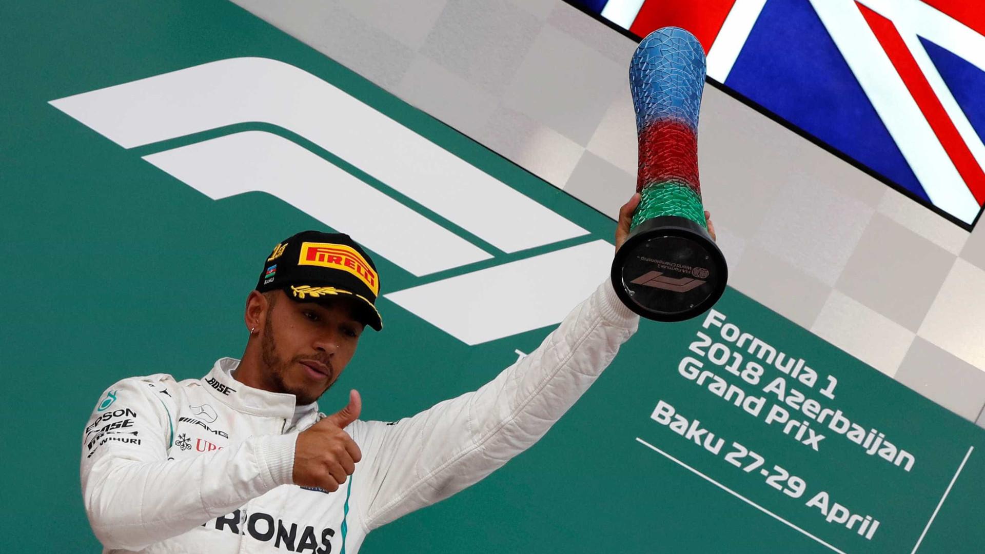 Hamilton vence GP do Azerbaijão e assume liderança