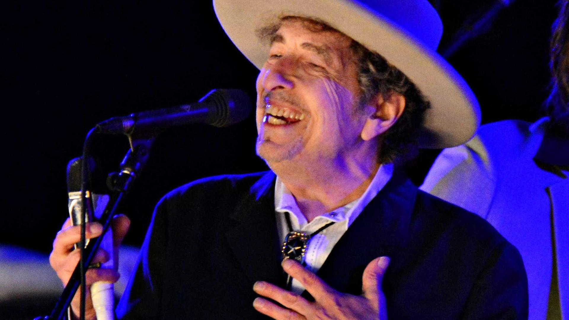 Bob Dylan lança música inédita de 17 minutos após oito anos de hiato