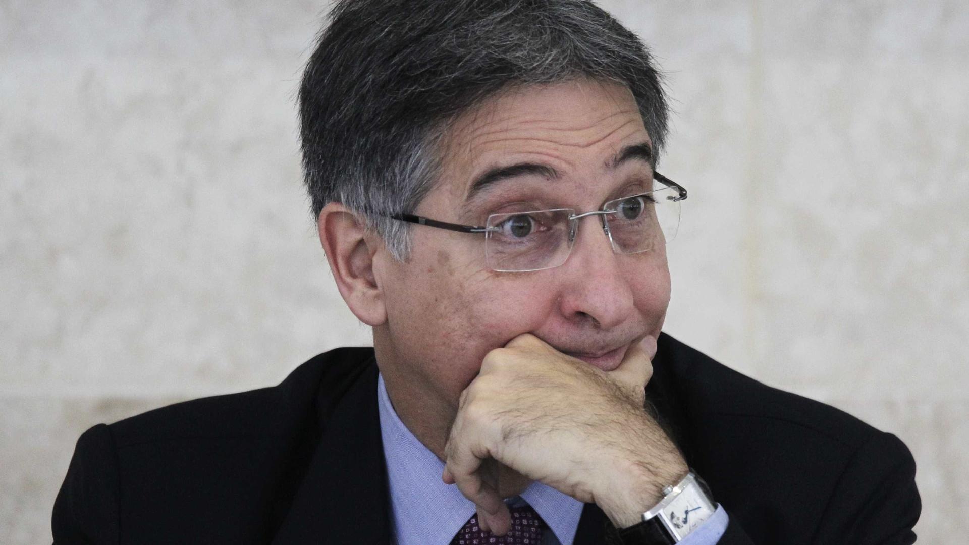 PF faz buscas em endereços de Fernando Pimentel