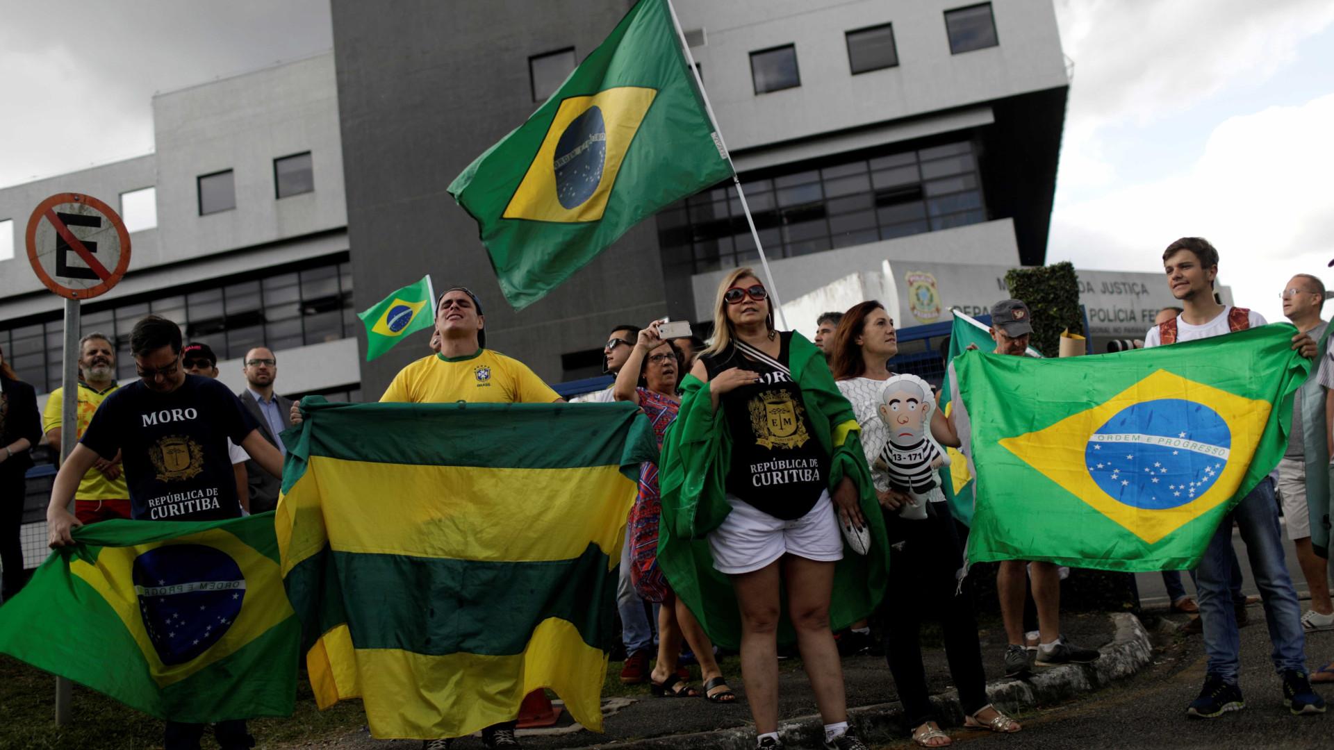 Brasil lidera ranking de países com menor confiança em políticos
