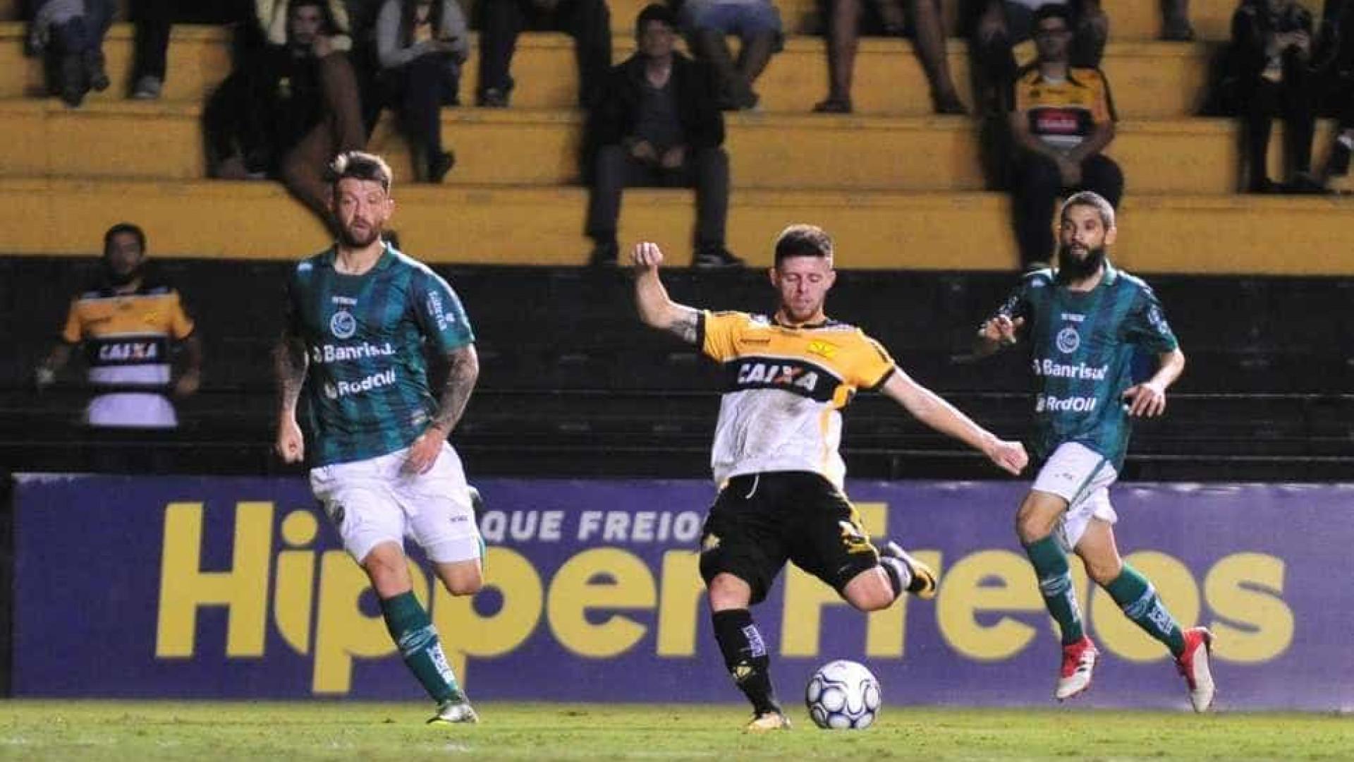 Criciúma bate Botafogo-SP na estreia de Roberto Cavalo
