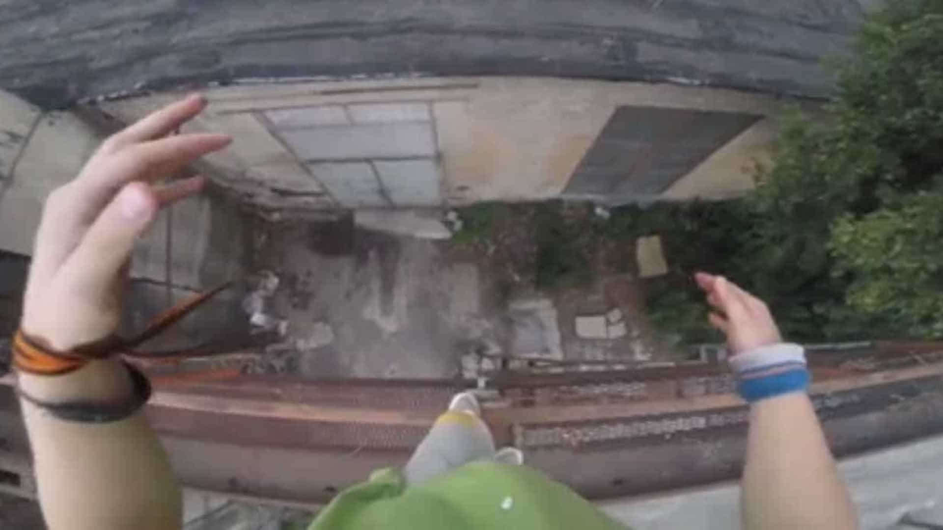 Por um fio: salto quase acaba em tragédia; vídeo