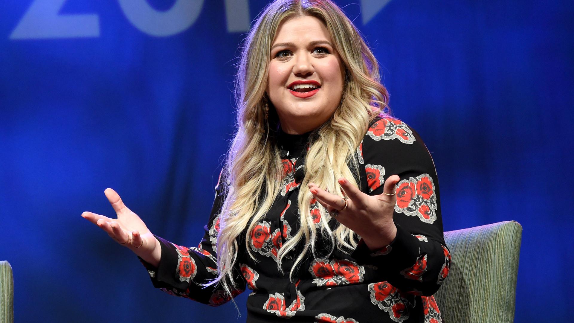 Kelly Clarkson é condenada a pagar pensão de R$ 1 milhão ao ex-marido