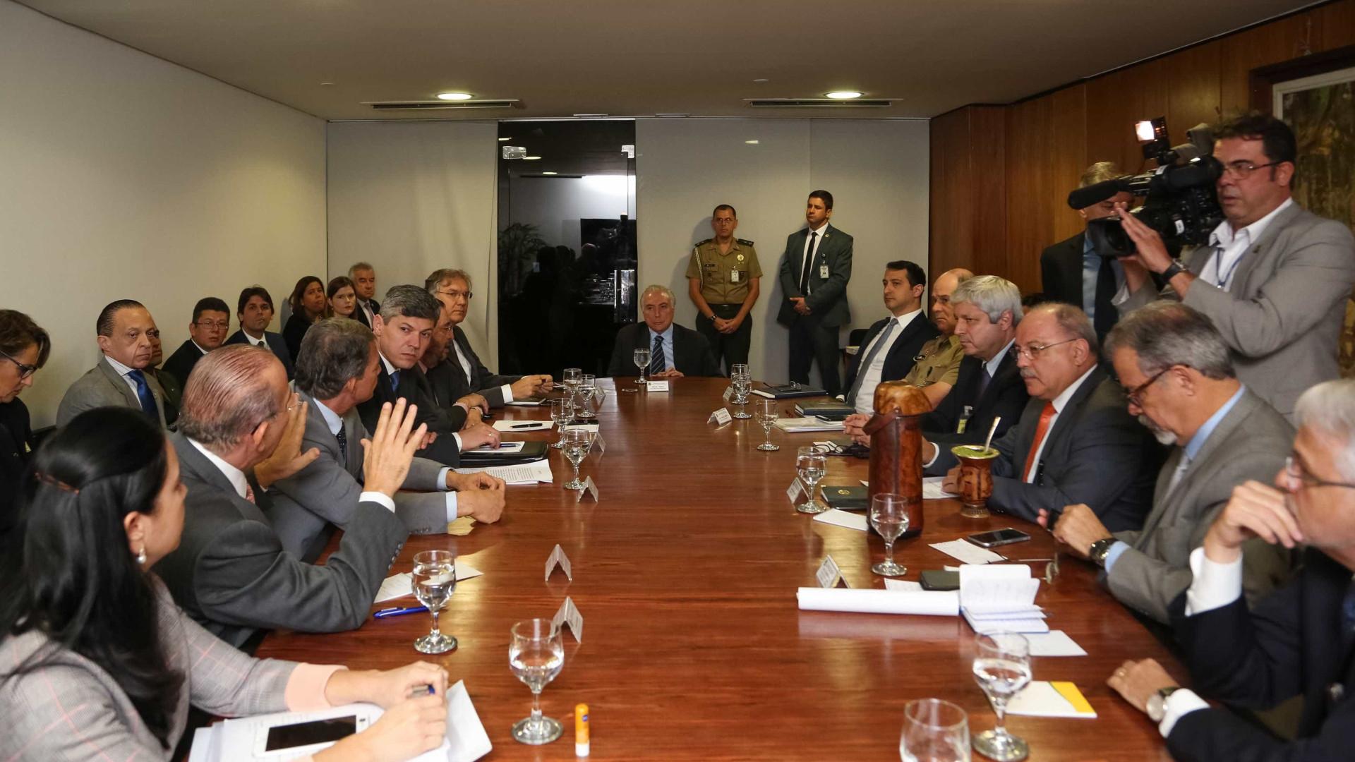 Temer participa de reunião do gabinete de crise em Brasília