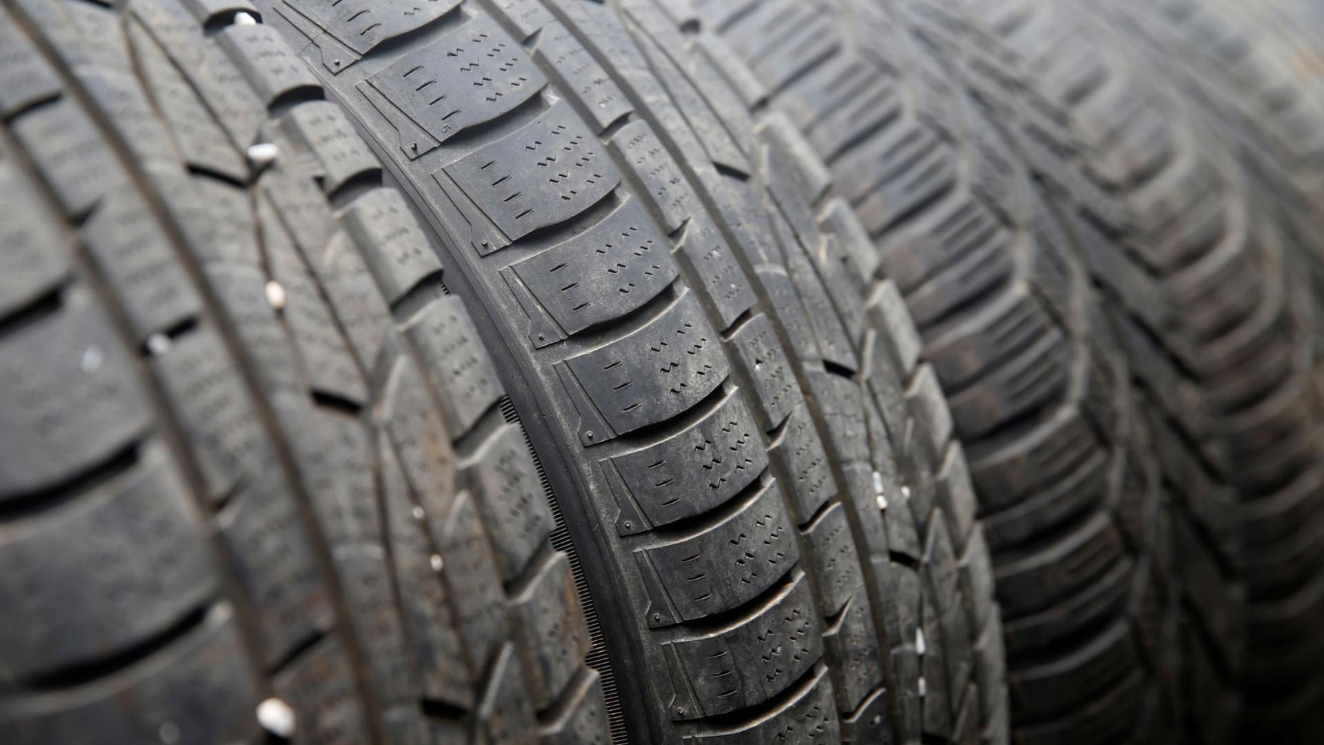 O truque da moeda que permite ver se os seus pneus estão em bom estado
