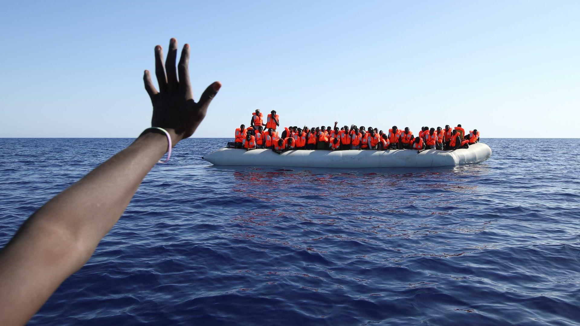 Itália resgata 70 migrantes no Mar Mediterrâneo