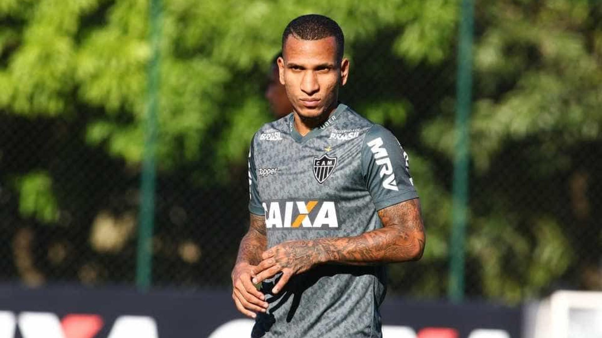 Corinthians tenta a contratação de Otero, do Atlético-MG, sem custos