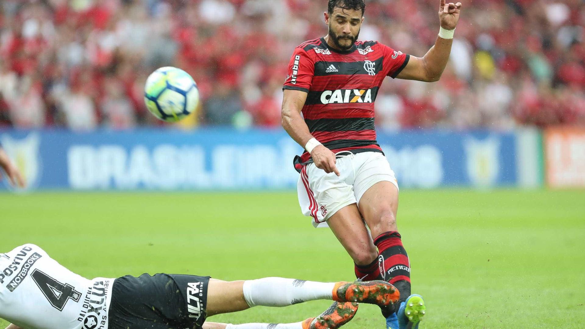 Dourado marca após dois meses, e Flamengo vence Cruzeiro