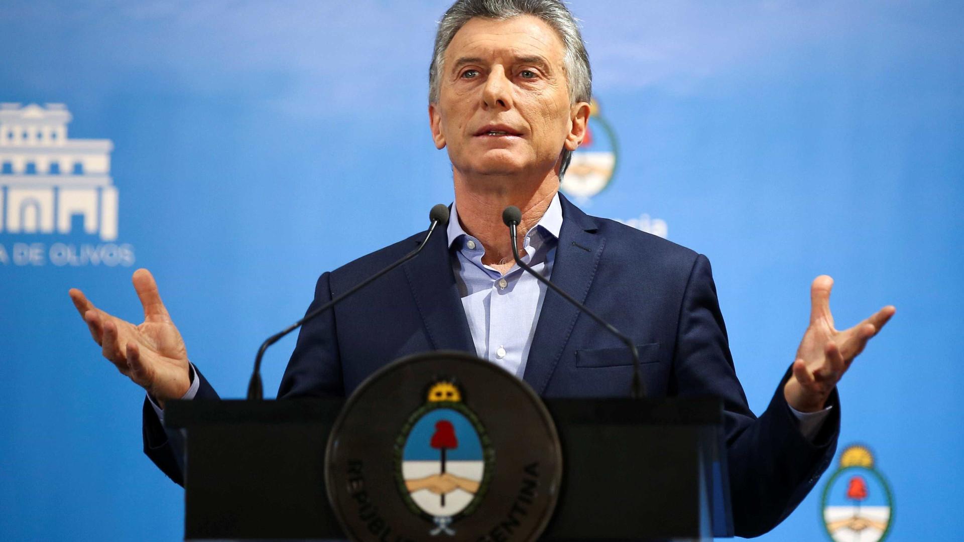 Macri prepara corte de até 25% dos cargos de 86 órgãos públicos