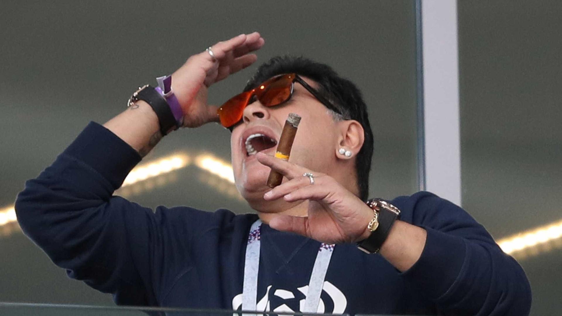 Maradona culpa presidente da AFA por crise na Argentina