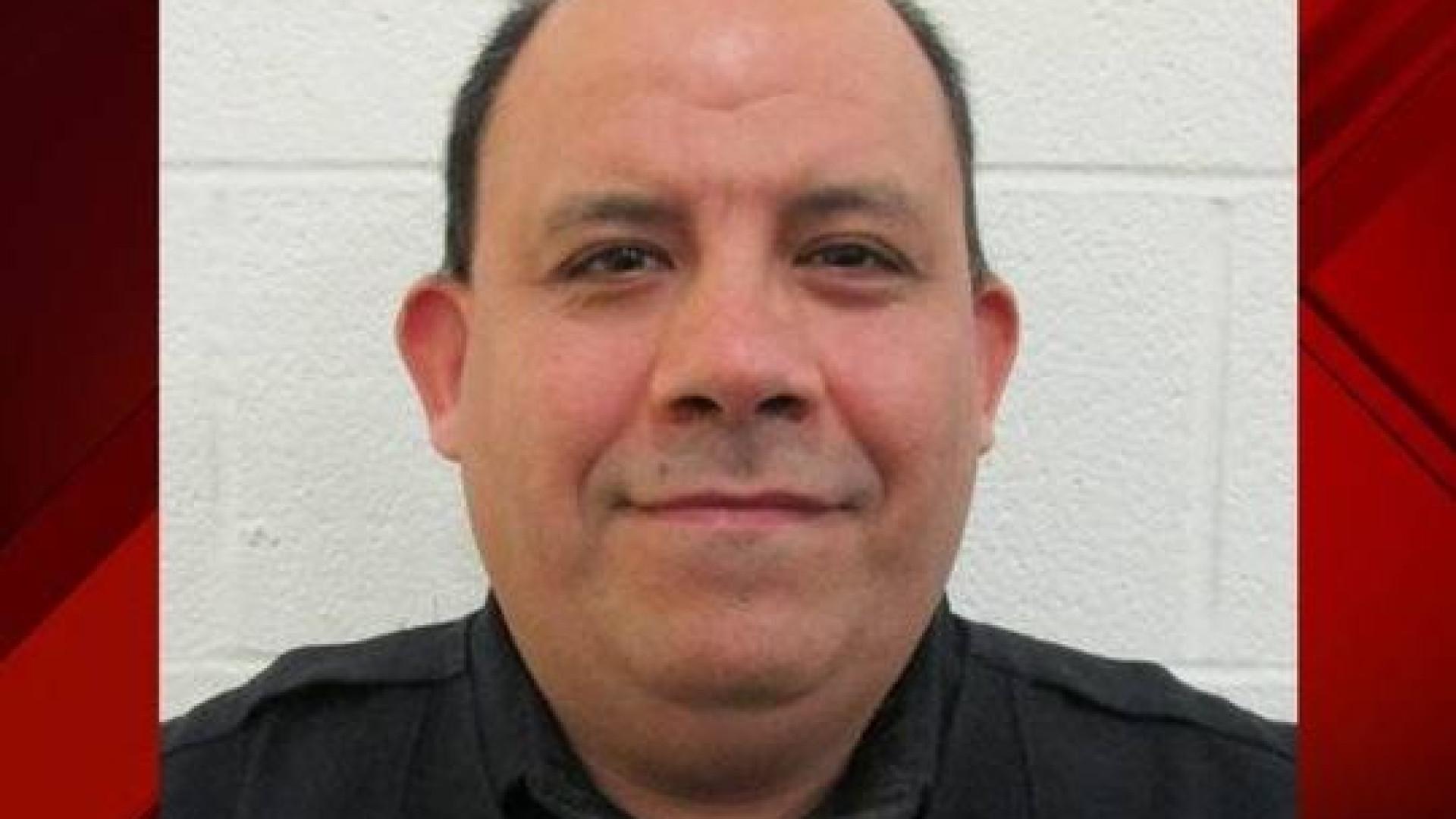 Policial texano é preso por estuprar criança e ameaçar deportar a mãe