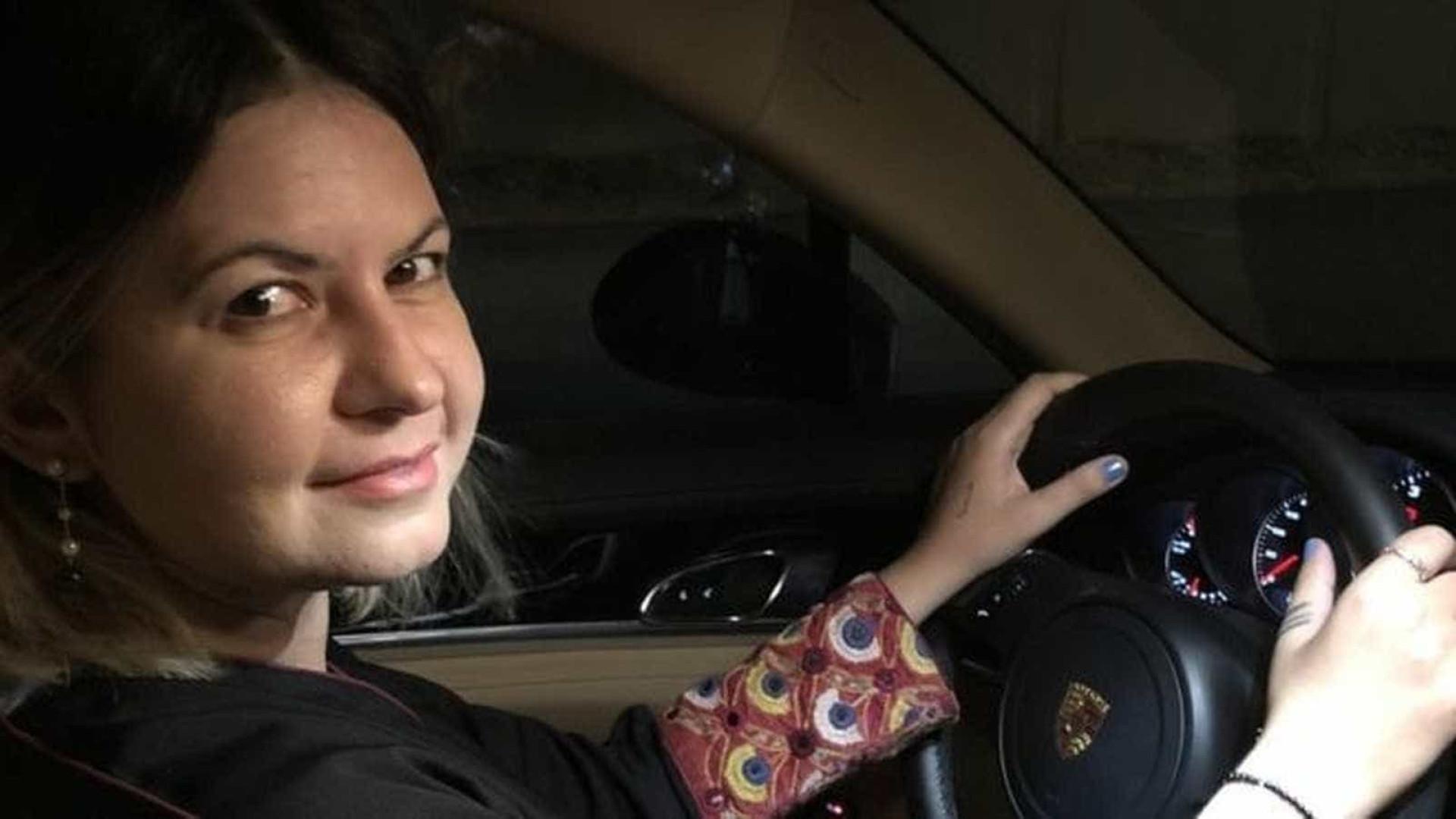 Brasileira fala sobre poder dirigir pela 1ª vez na Arábia Saudita