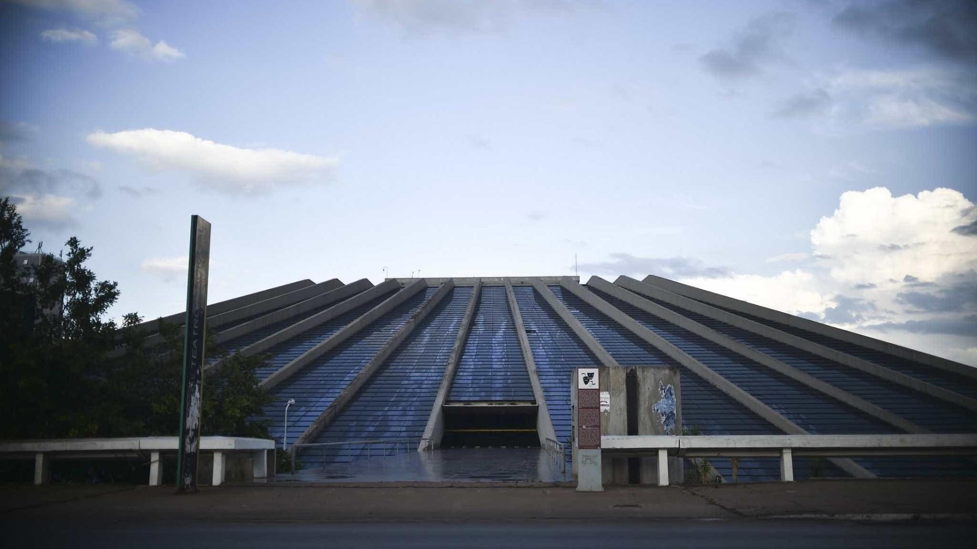 Ícone de Brasília, Teatro Nacional está fechado há 4 anos