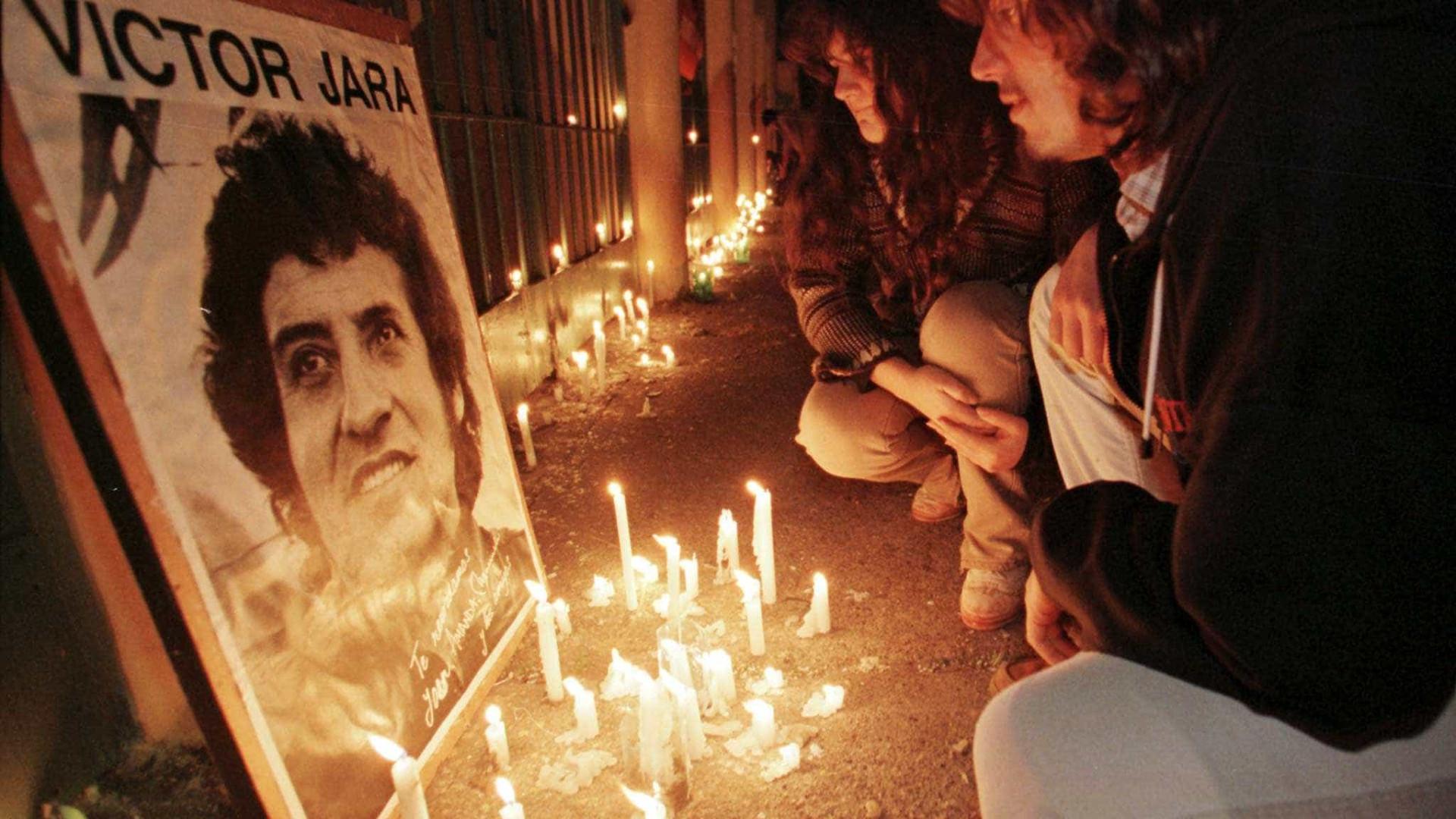 Após 45 anos, Chile condena militares por morte de Víctor Jara