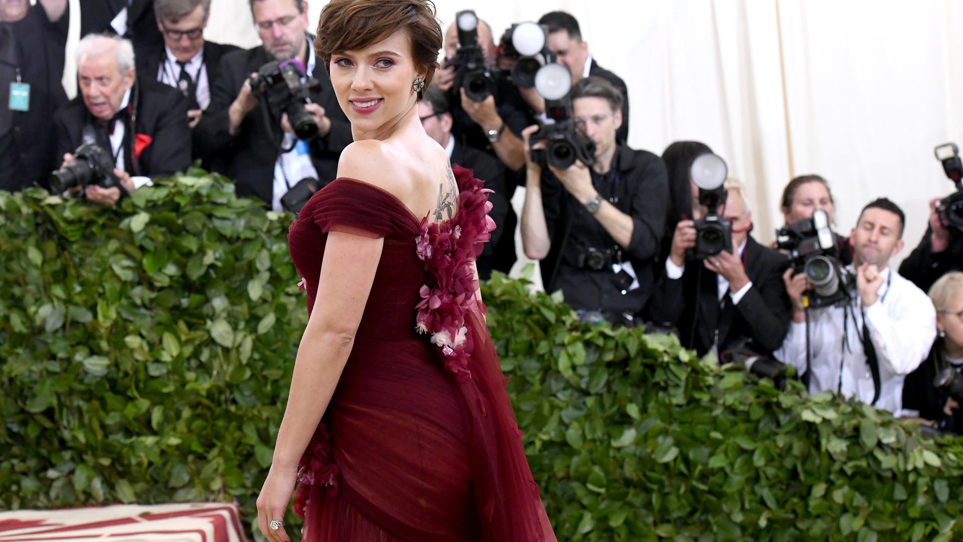 Scarlett Johansson desiste de interpretar homem trans em filme