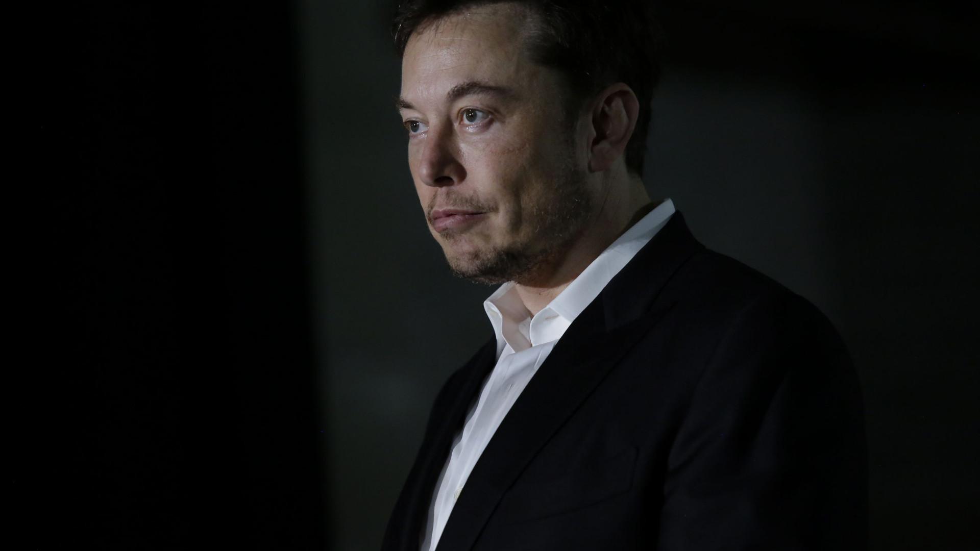 Elon Musk oferece ajuda no resgate de jovens tailandeses