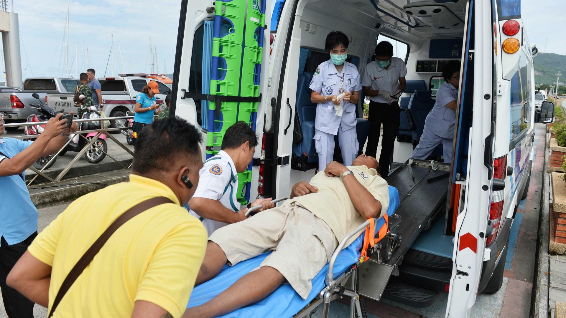 Chega a 40 o número de mortos em naufrágio na Tailândia