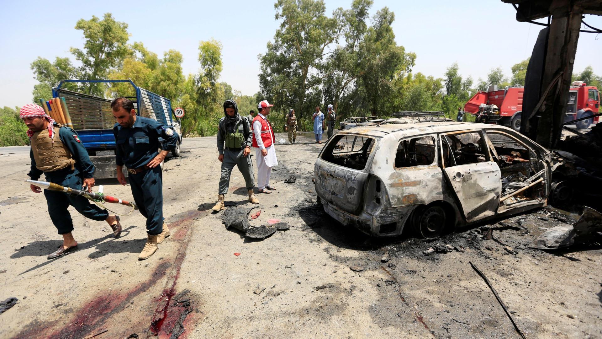 Ataque suicida no Afeganistão deixa pelo menos 11 mortos