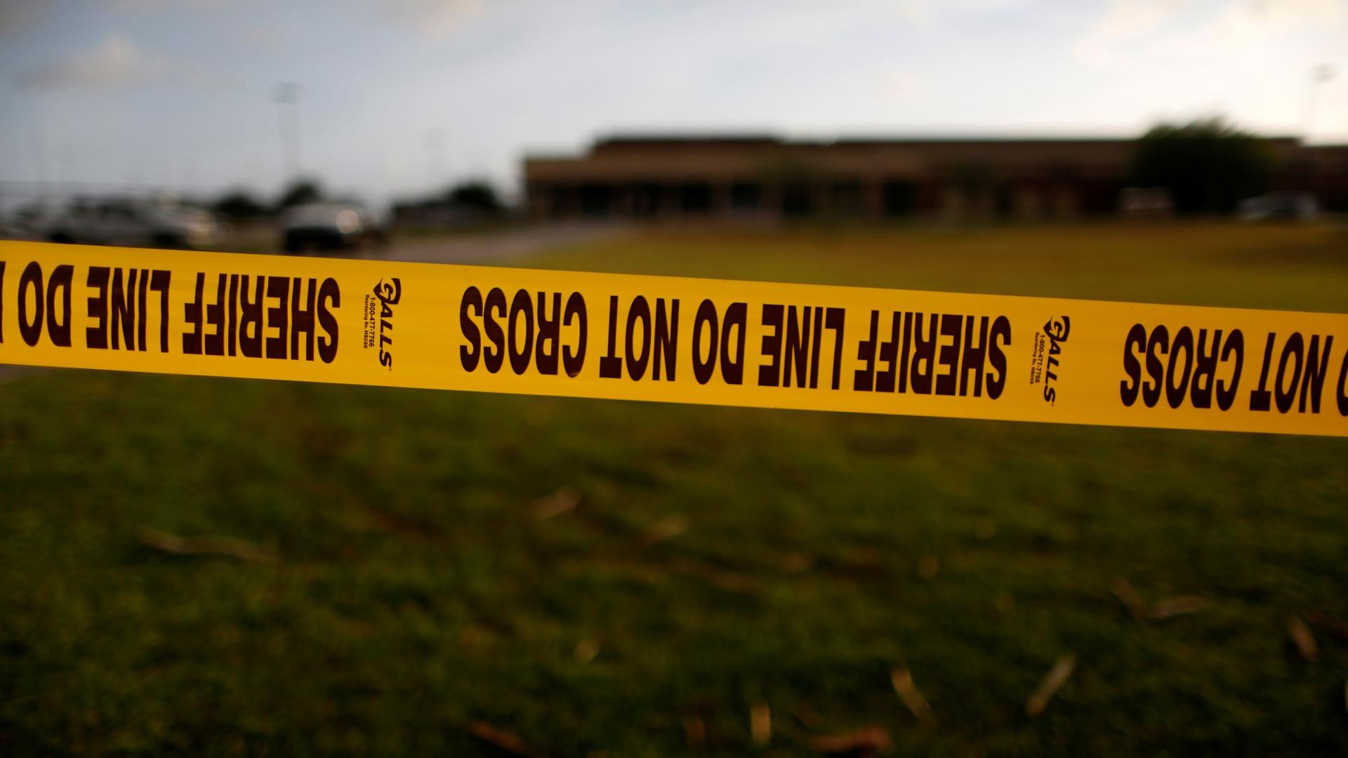 Gêmeos matam os pais, a irmã, a avó e se suicidam logo depois