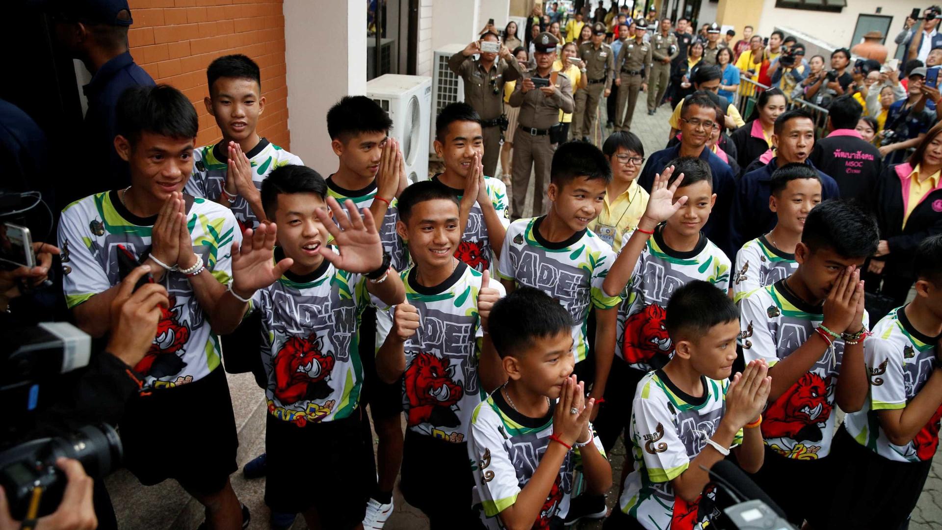 Meninos tailandeses recebem alta e concedem 1ª entrevista coletiva