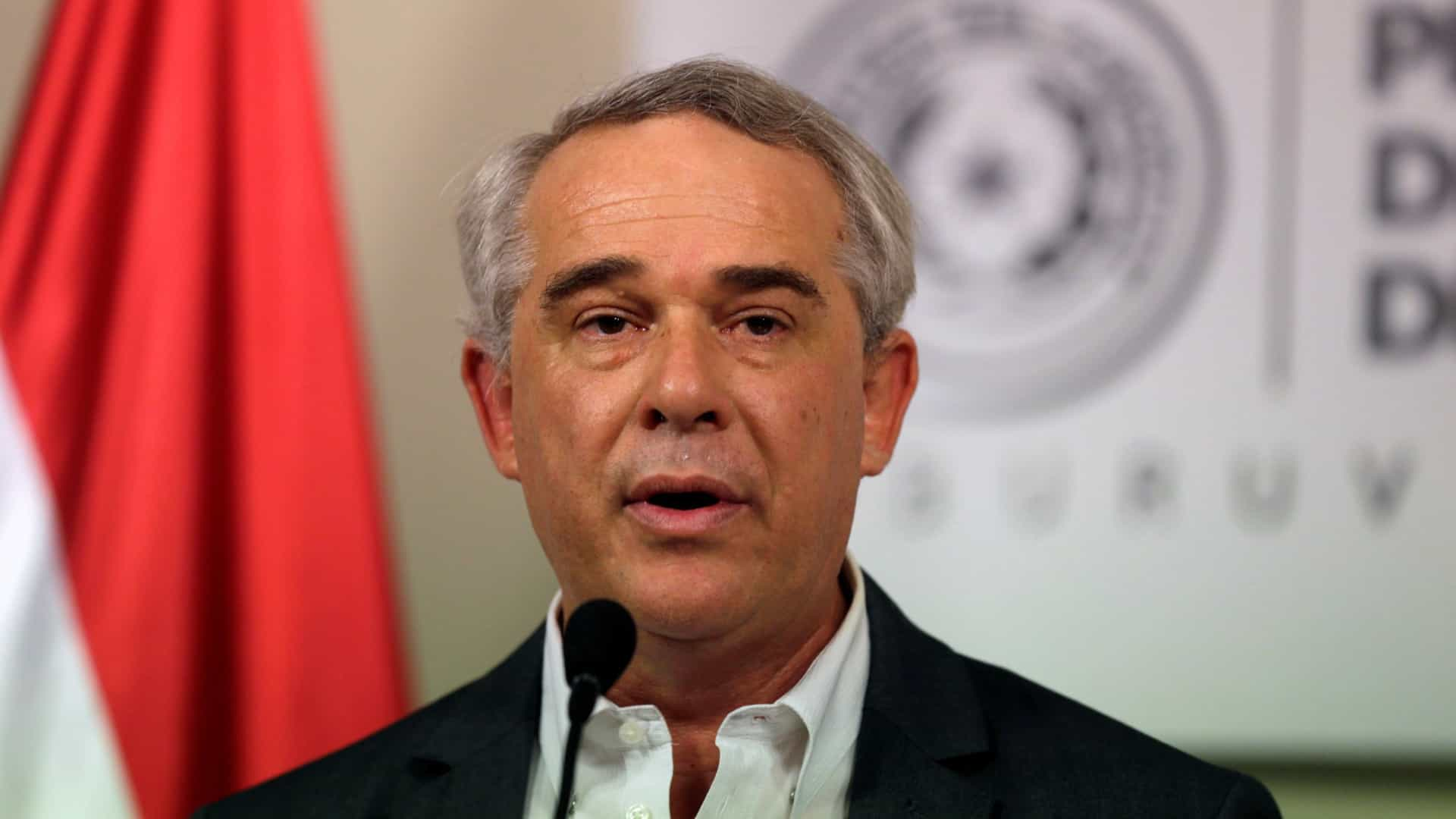 Queda de avião mata ministro paraguaio e outras três pessoas