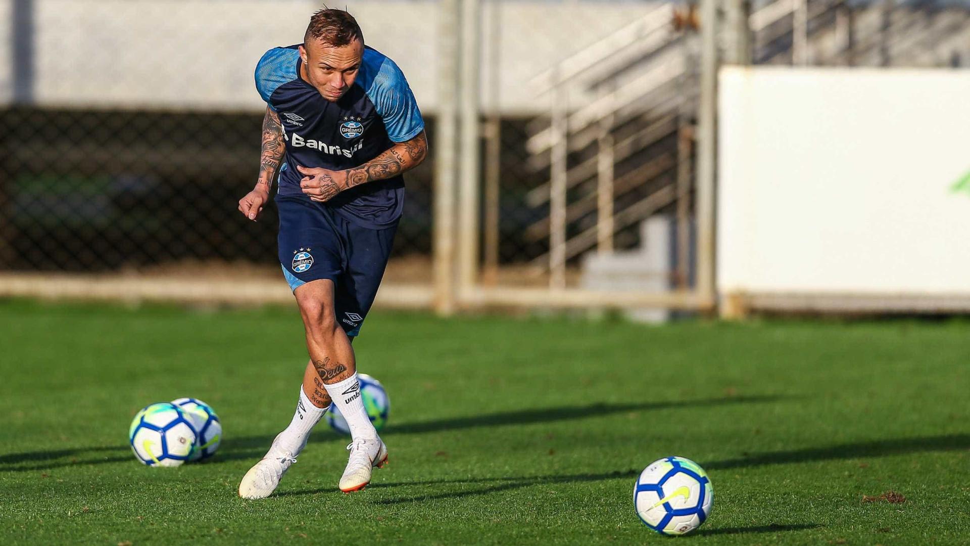 Após classificação, Everton indica saída do Grêmio: 'Dever cumprido'