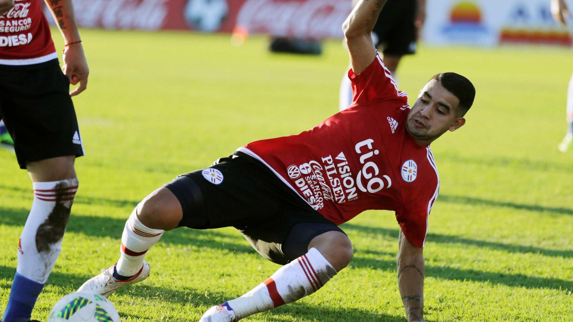 Santos acerta com atacante paraguaio Derlis González
