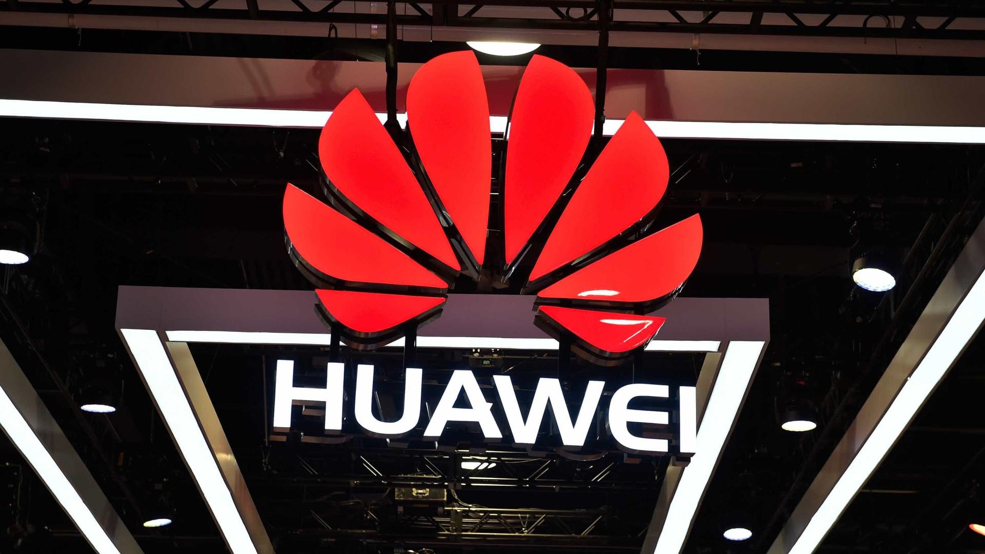 Huawei quer recompensar colaboradores que ajudaram contra sanções