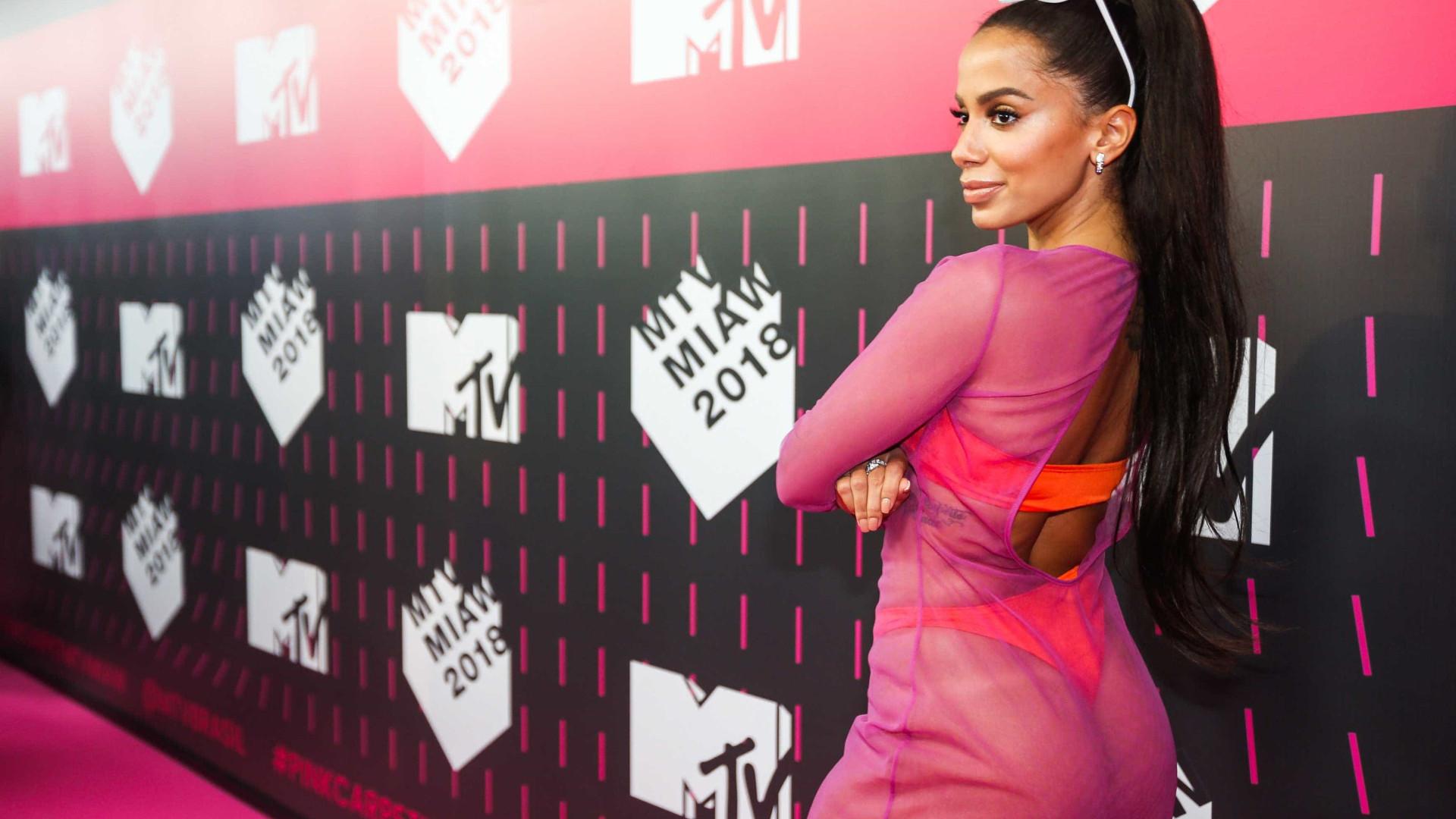 Anitta responde Daniela Mercury: 'Eu não apoio o candidato Bolsonaro'