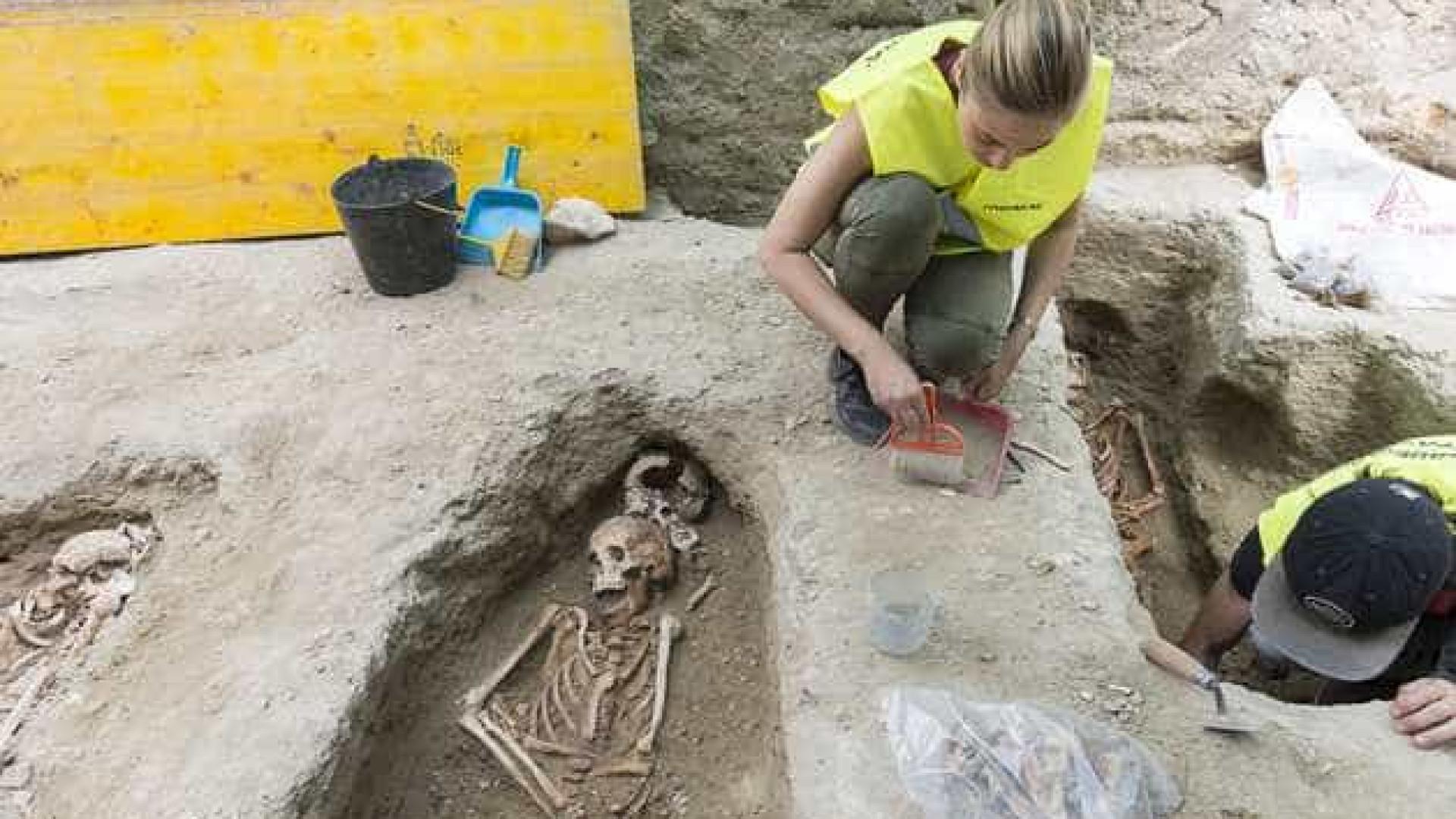 Encontrados 42 corpos em cemitério medieval no centro de Lisboa