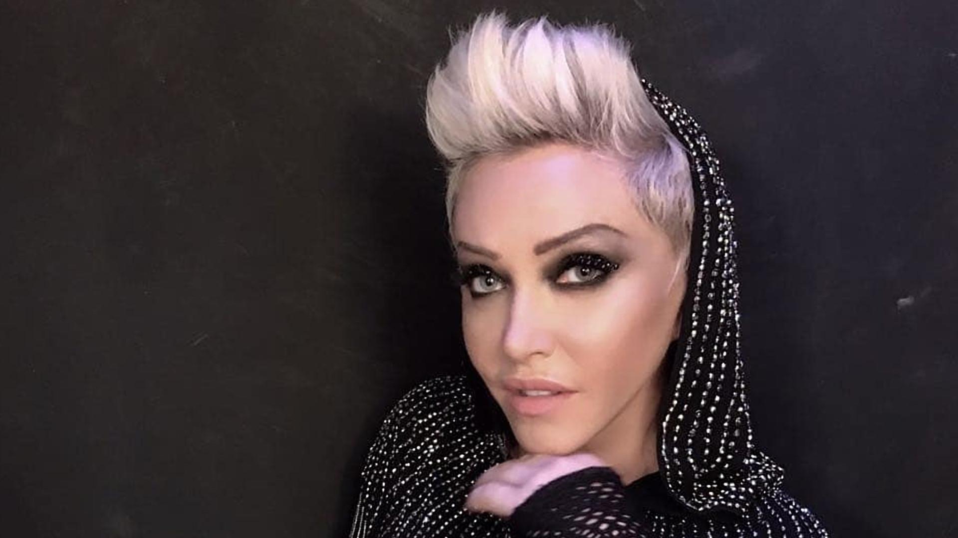 Deborah Blando: 'Música no Brasil virou pornográfica ou de corno'