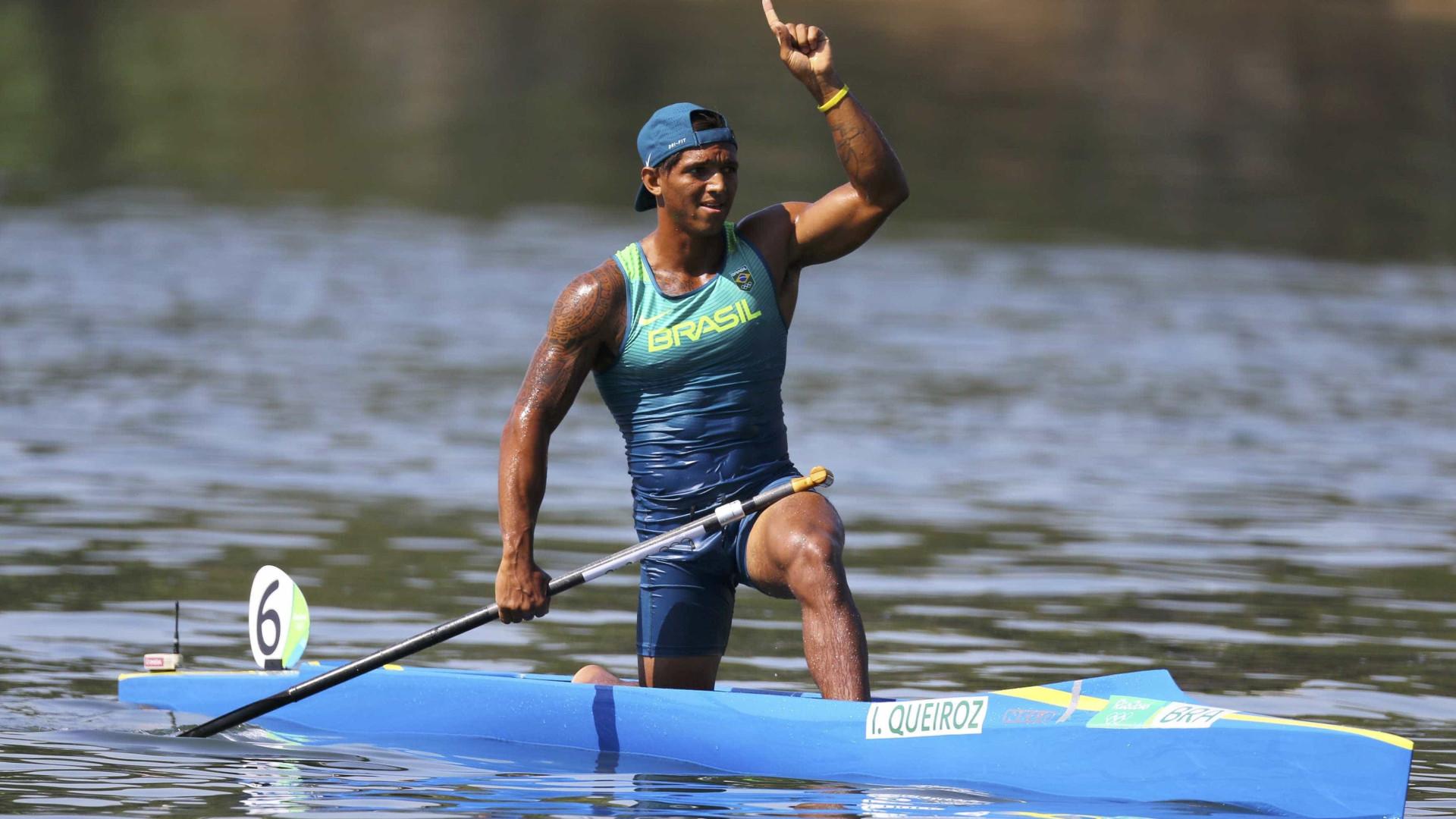 Isaquias Queiroz ganha medalha de prata na Copa do Mundo de canoagem