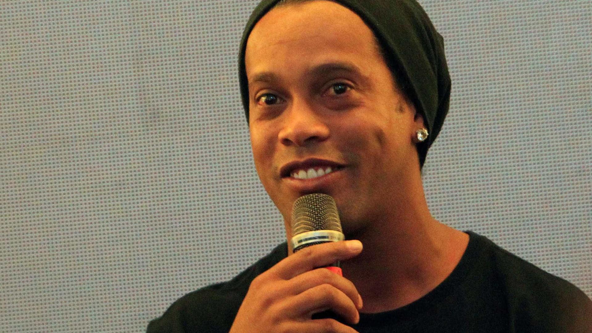 Ronaldinho Gaúcho investe no trap em 'Rolê Aleatório', música inspirada em meme