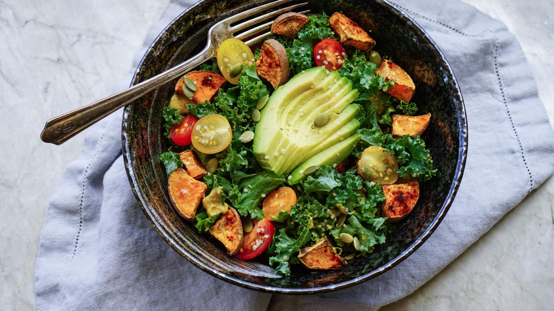 5 molhos saudáveis para temperar saladas