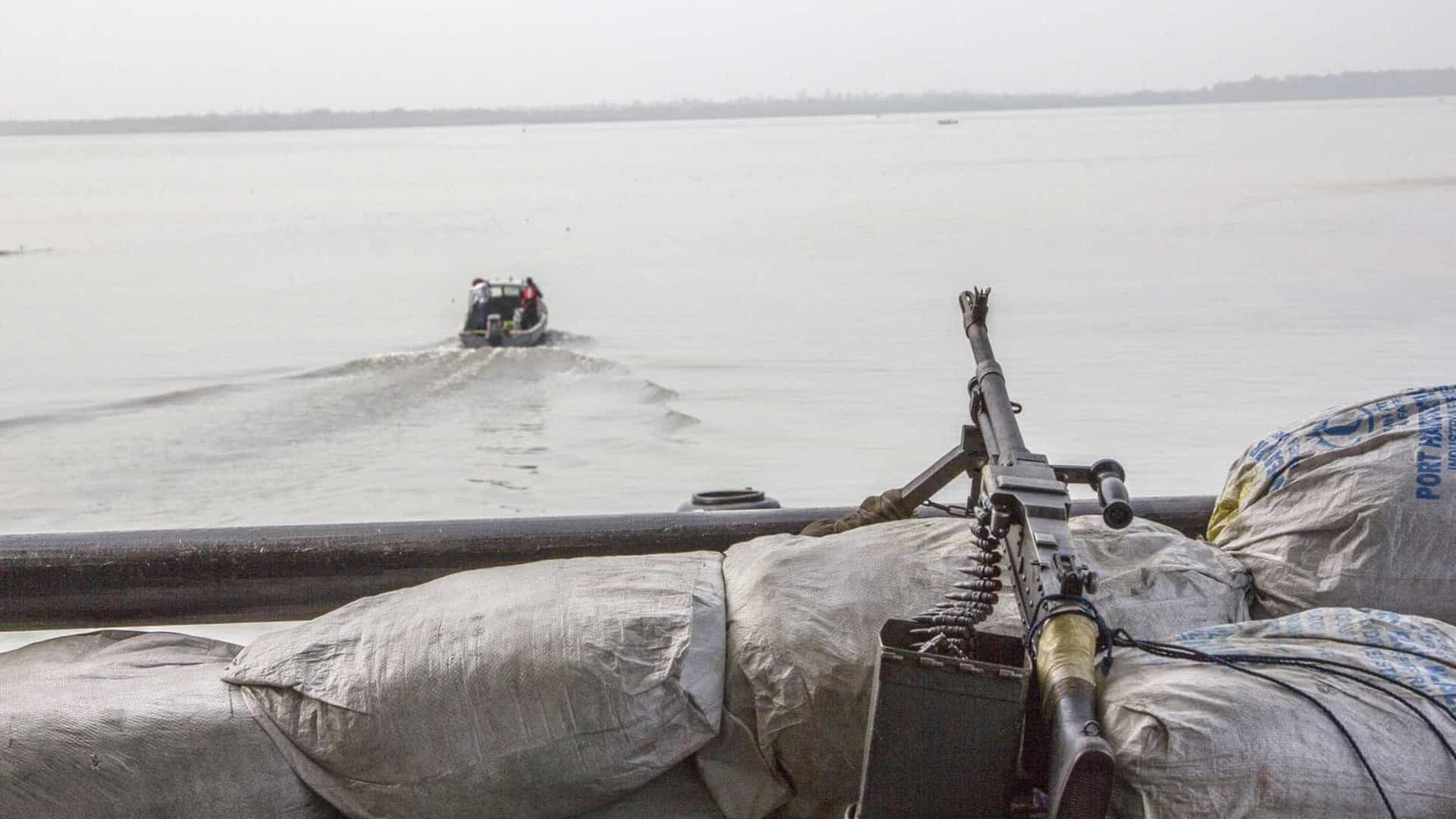 Piratas sequestram 12 tripulantes de navios suíços na Nigéria
