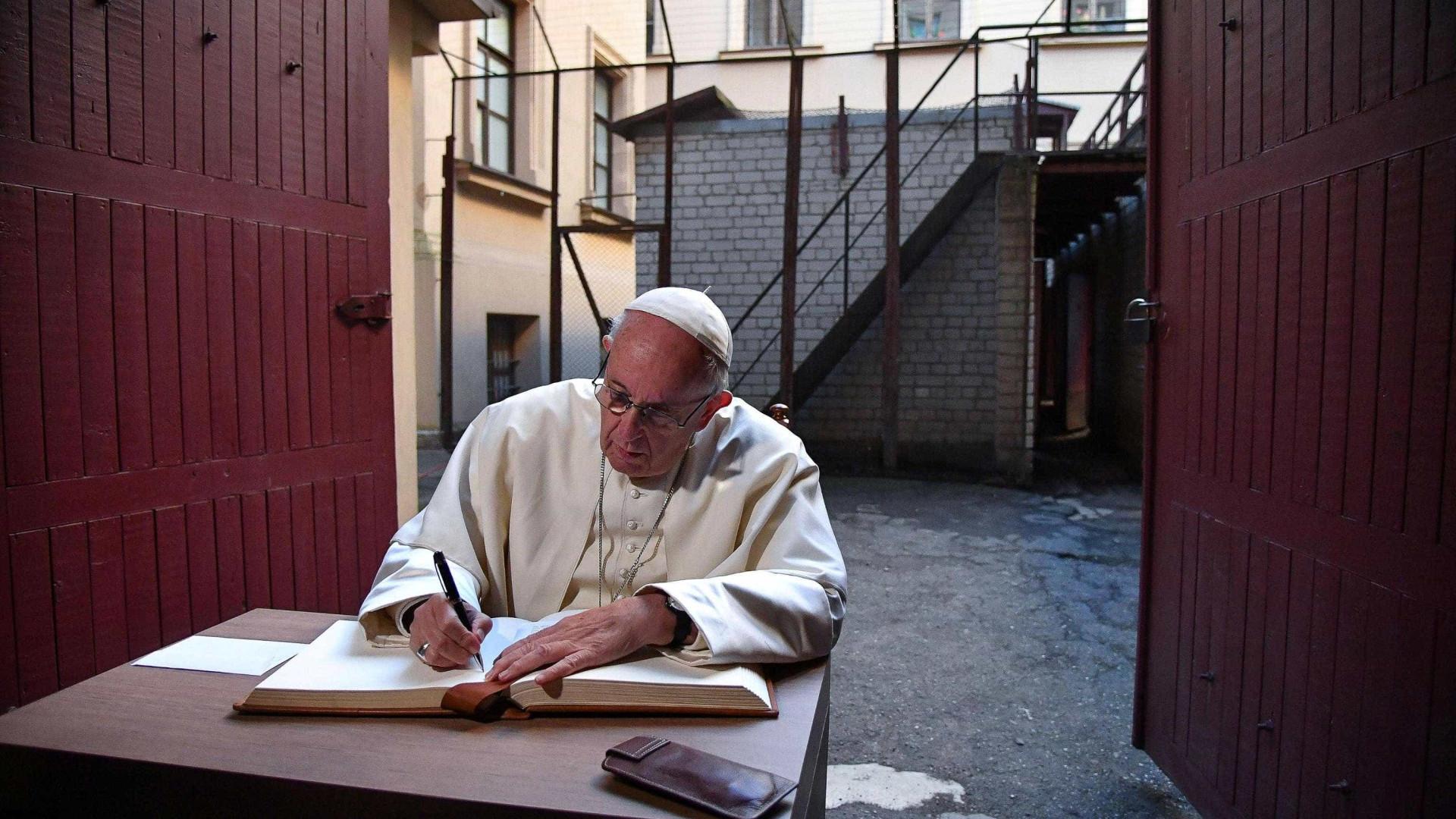Papa Francisco alerta para reaparecimento do antissemitismo