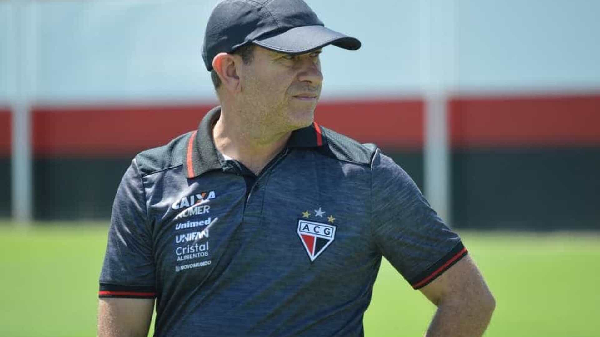 Atlético-GO demite Claudio Tencati após derrota para o Sampaio Corrêa