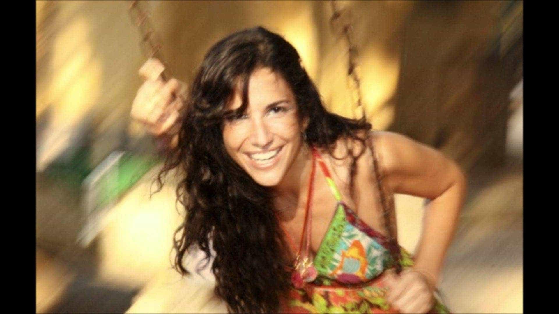 Verônica Ferriani canta as dores de amor em disco de criações próprias