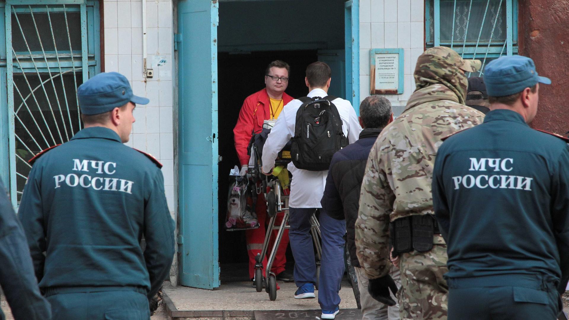 Atirador de escola na Crimeia queria se vingar, diz ex-namorada