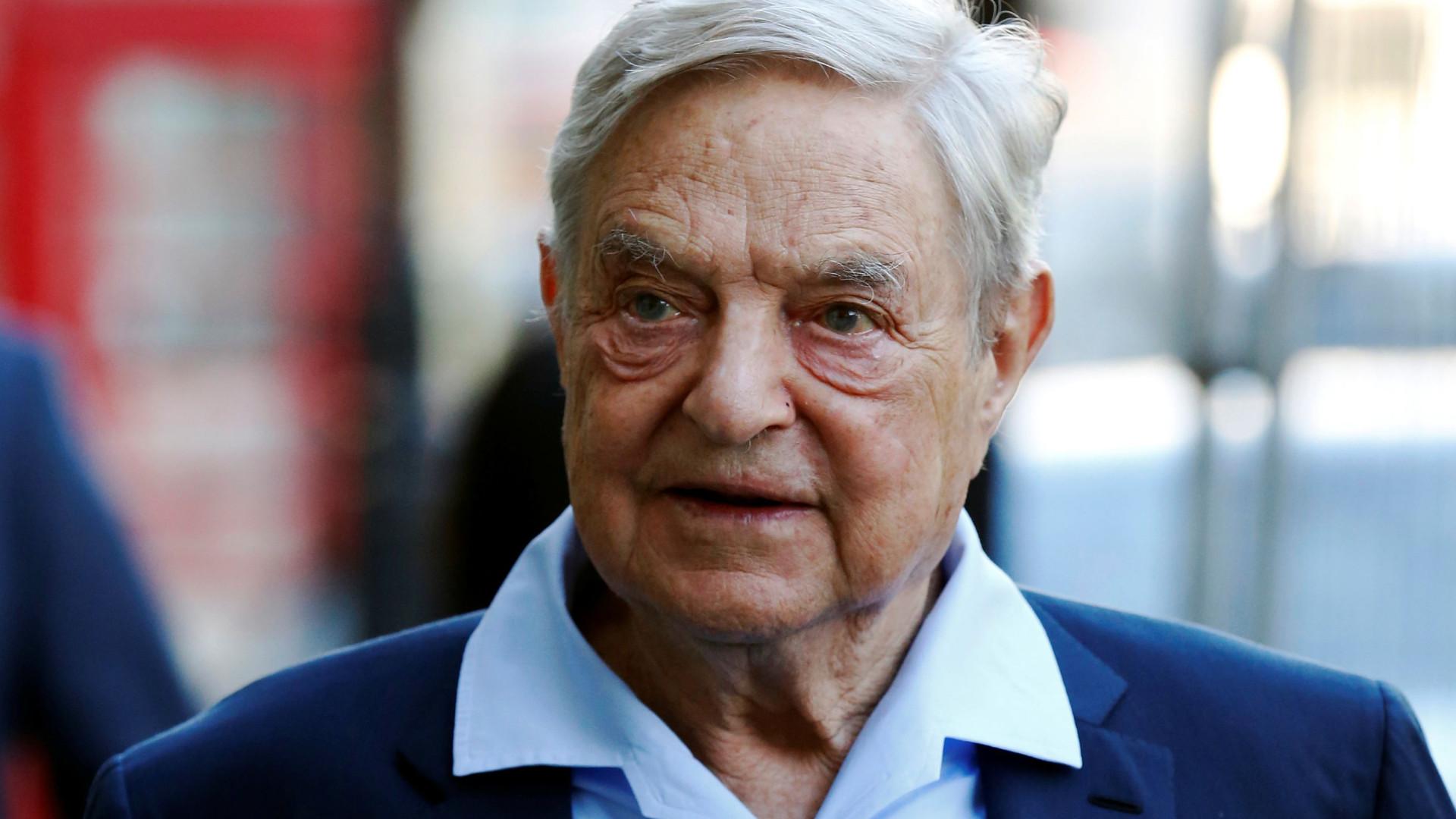 Em livro, Soros defende sociedade aberta contra autocratas e redes sociais