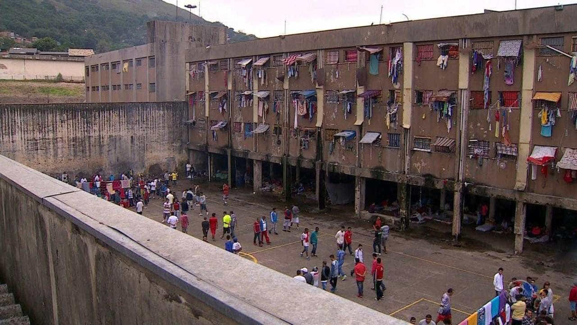 Votação em cadeia tem preso virado para a parede e divisão de facções