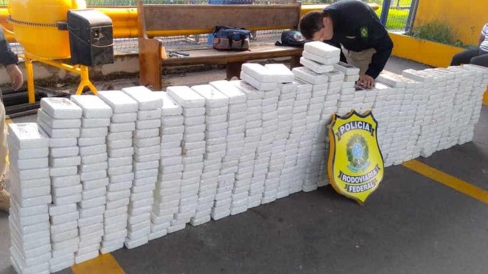 Polícia apreende mais de meia tonelada de cocaína na Dutra