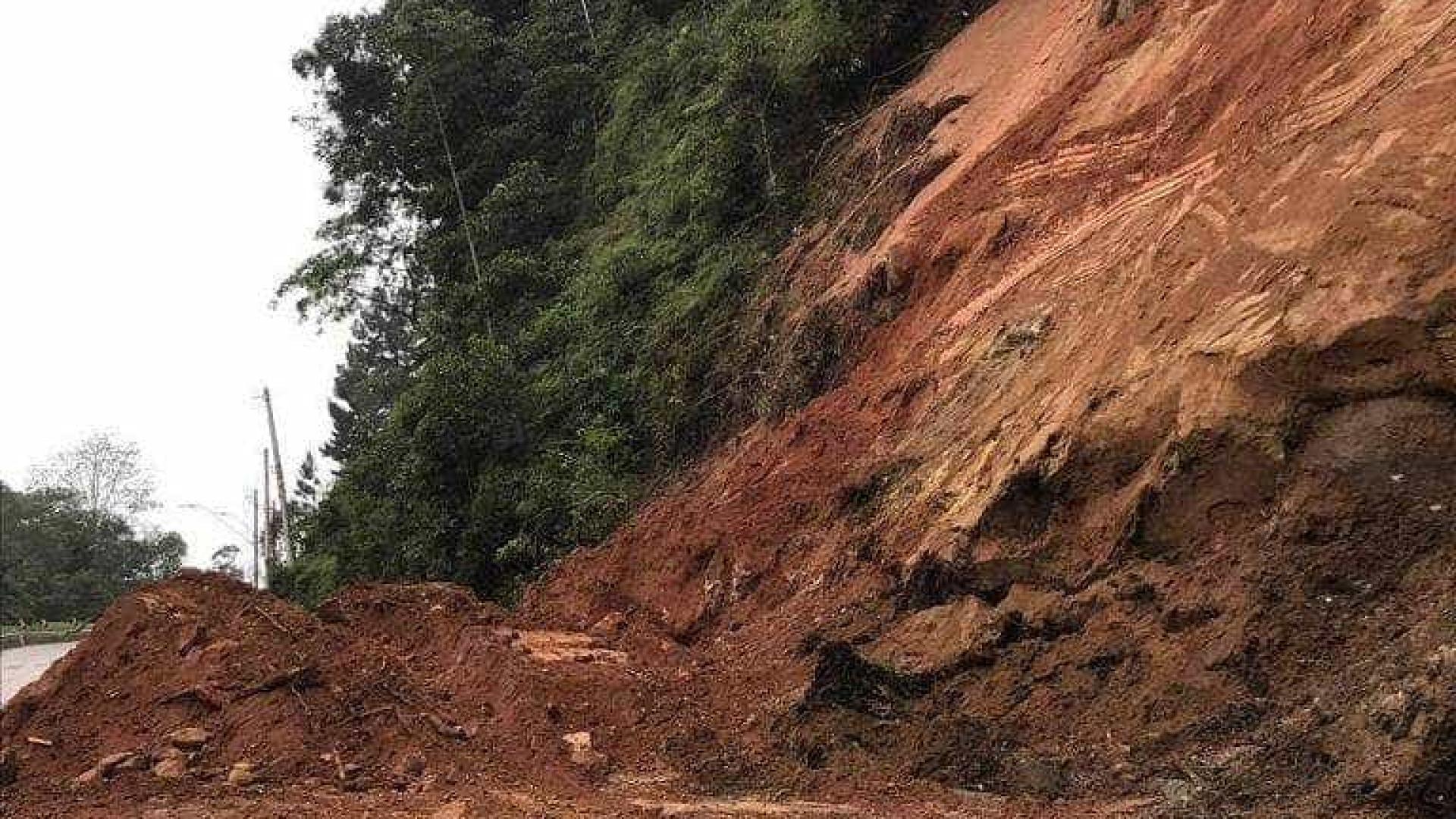 Após deslizamentos, estradas de SP iniciam verão com obras pendentes