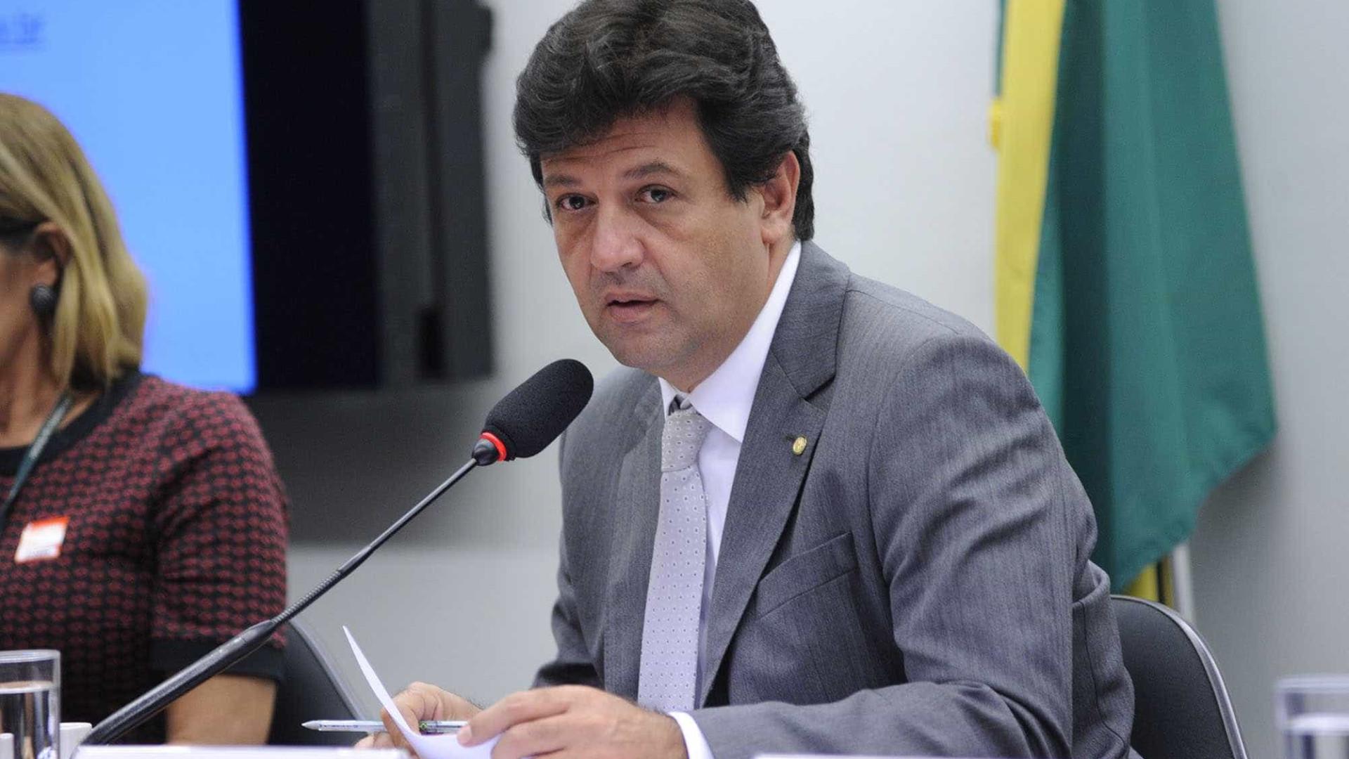 Mandetta diz que foi pressionado a editar protocolo de cloroquina