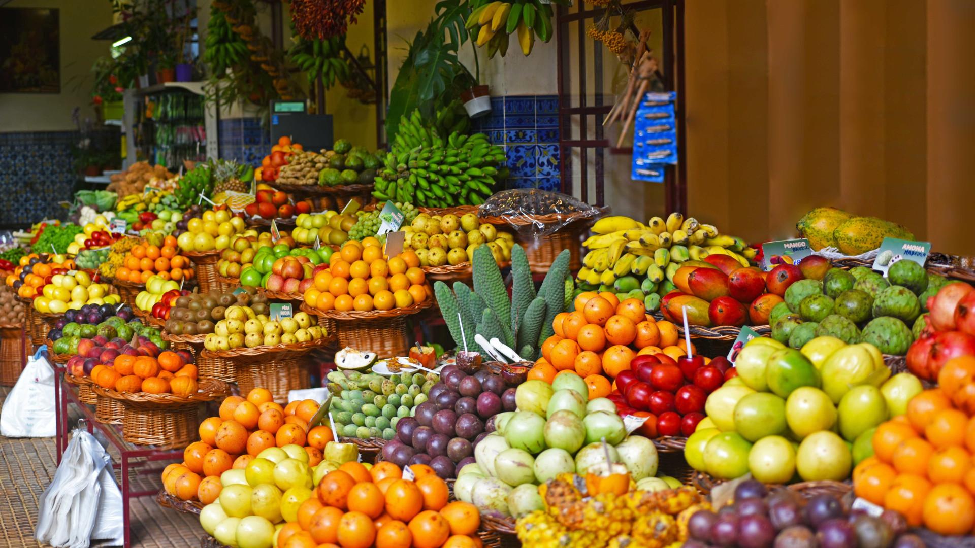 7 frutas que você deve consumir no verão para manter a hidratação