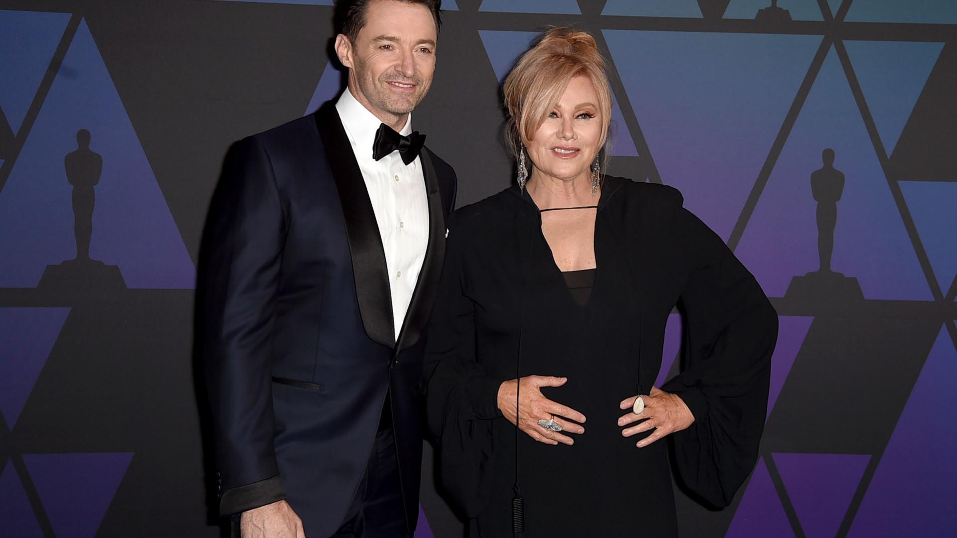 Casado há 22 anos, Hugh Jackman se declara à mulher em evento